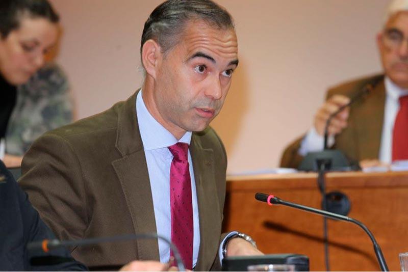 Juan-Antonio-Lara,-recuerda-el-acuerdo-plenario-en-el-que-los-grupos-municipales-declararon-a-Benalmadena-Municipio-Libre-de-Desahucios